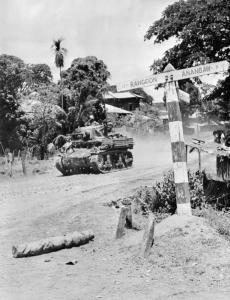 IND_004652_Stuart_tank_advancing_on_Rangoon